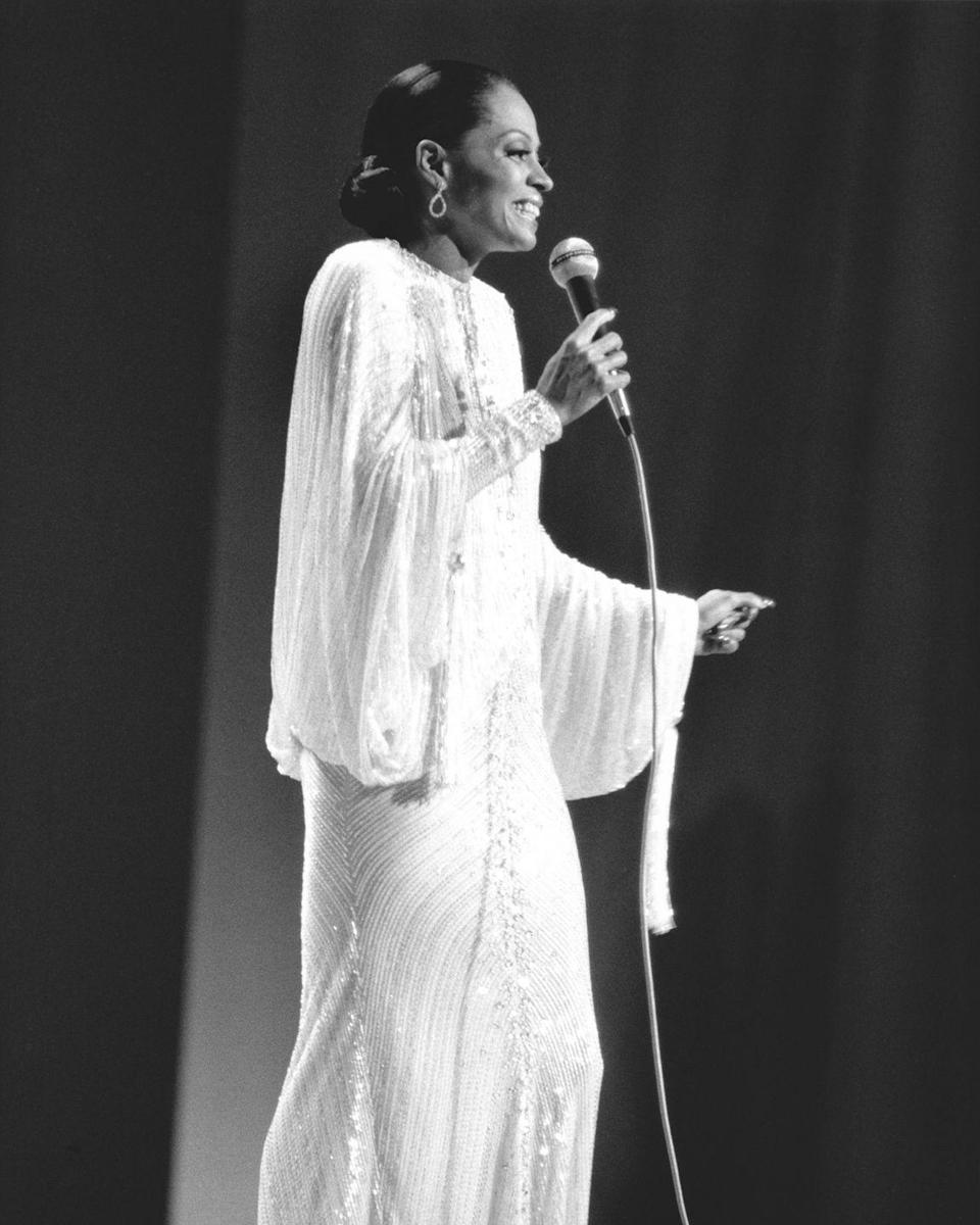 <p>Ross, who began a film career during the 1970s and was nominated for an Academy Award for Best Actress in 1973, stuns in a embellished white gown with bell sleeves during a television performance. <br></p>