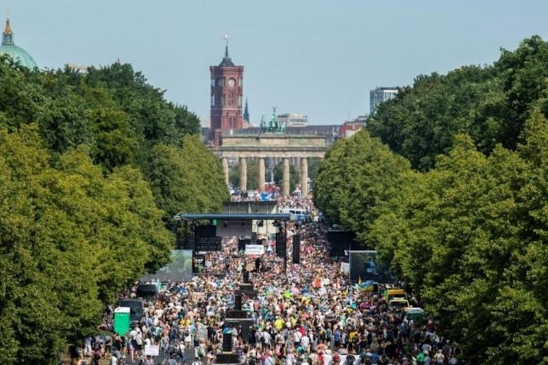 Berlin Covidiots Set to Hold 'Anti-corona' Demonstration Against Pandemic Restrictions