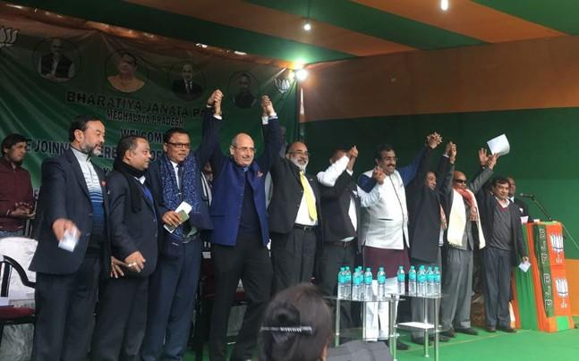 <p>Meghalaya MLA and former Congress member A L Hek  joined the BJP along with 3 legislators from other parties.</p>