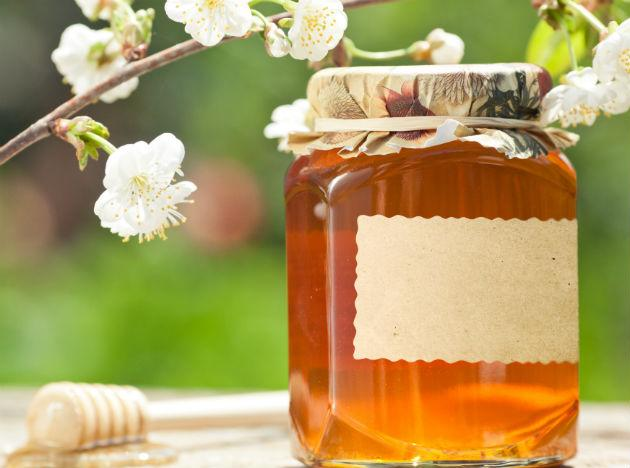 <b>Honey</b>: A spoonful of honey with warm water is a great way to start your mornings. Honey helps burn fat and is a widely used home-remedy for obesity.