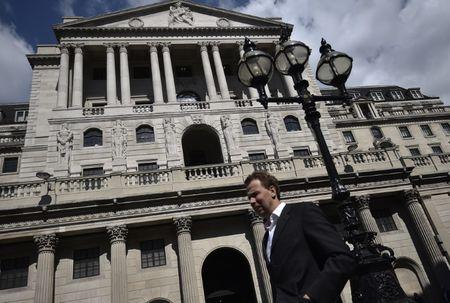 UK consumer inflation rises to 3 ½-year high of 2.7 percent