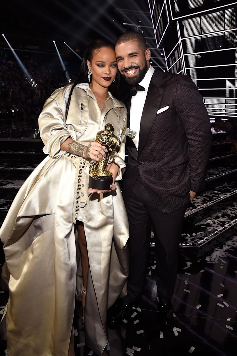 NEW YORK, NY - AUGUST 28: Singer Rihanna (L) and rapper Drake pose onstage during the 2016 MTV Video Music Awards at Madison Square Garden on August 28, 2016 in New York City. (Photo by Kevin Mazur/WireImage)