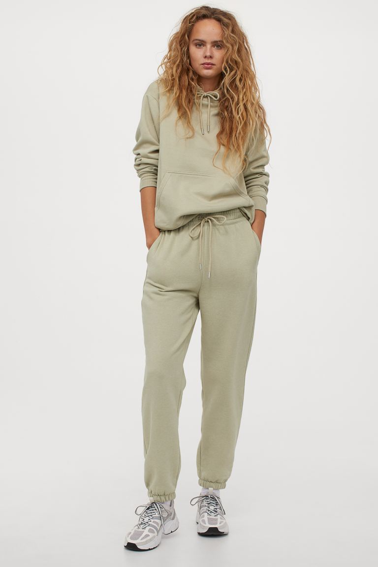 "<h3>H&M</h3><br>We know H&M will always have our basics covered. Their selection of joggers and sweatshirts come in chic colors and classic styles at budget-friendly prices. <br><br><em>Shop <strong><a href=""https://www2.hm.com/en_us/index.html"" rel=""nofollow noopener"" target=""_blank"" data-ylk=""slk:H&M"" class=""link rapid-noclick-resp"">H&M</a></strong></em><br><br><strong>H&M</strong> Cotton-Blend Sweatpants, $, available at <a href=""https://go.skimresources.com/?id=30283X879131&url=https%3A%2F%2Fwww2.hm.com%2Fen_us%2Fproductpage.0932722011.html"" rel=""nofollow noopener"" target=""_blank"" data-ylk=""slk:H&M"" class=""link rapid-noclick-resp"">H&M</a><br><br><strong>H&M</strong> Hoodie, $, available at <a href=""https://go.skimresources.com/?id=30283X879131&url=https%3A%2F%2Fwww2.hm.com%2Fen_us%2Fproductpage.0456163097.html"" rel=""nofollow noopener"" target=""_blank"" data-ylk=""slk:H&M"" class=""link rapid-noclick-resp"">H&M</a>"