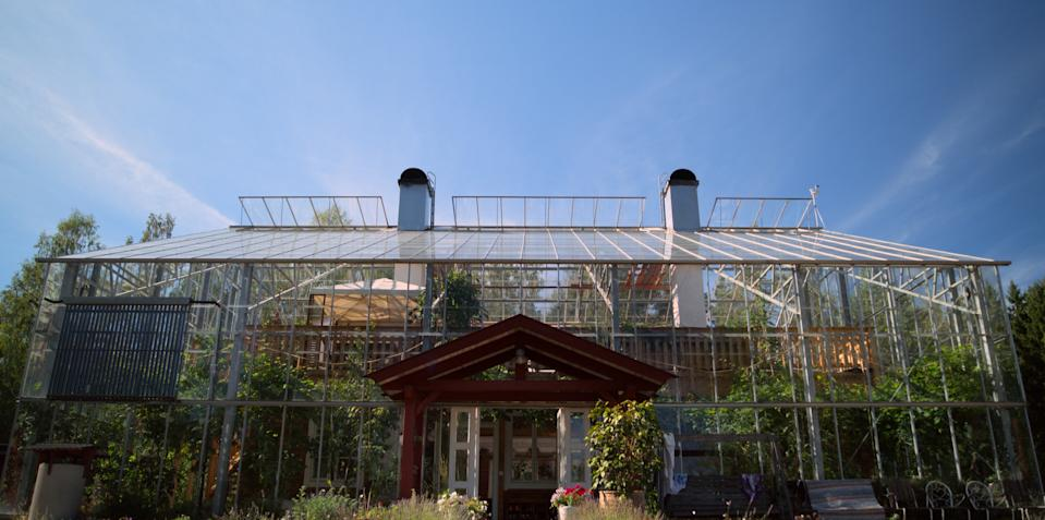 "<h1 class=""title"">Home</h1> <div class=""caption""> This greenhouse in Sweden is featured in an episode of the new AppleTV+ show <em>Home.</em> </div> <cite class=""credit"">Courtesy of Apple</cite>"