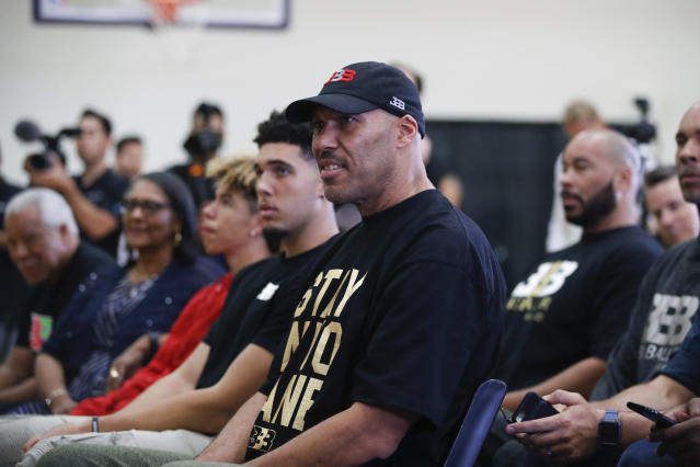 LaVar Ball wants his son lifting more iron and fewer rubber bands with the Lakers. (AP Photo)