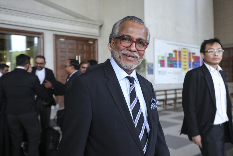 Tan Sri Muhammad Shafee Abdullah claimed today that he was being harassed over a RM9.5 million sum for his work as a lawyer in handling election petition cases for BN and voiced fears that he was being victimised due to his role as Datuk Seri Najib Razak's defence lawyer. — Picture by Azneal Ishak