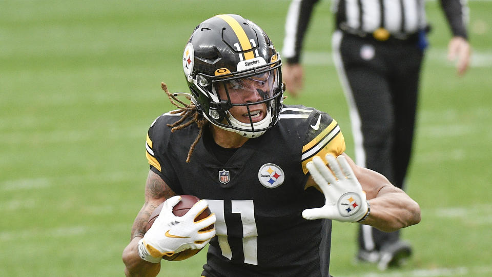 Pittsburgh Steelers wide receiver Chase Claypool has been a huge rookie contributor for the 11-0 team. (AP Photo/Don Wright)