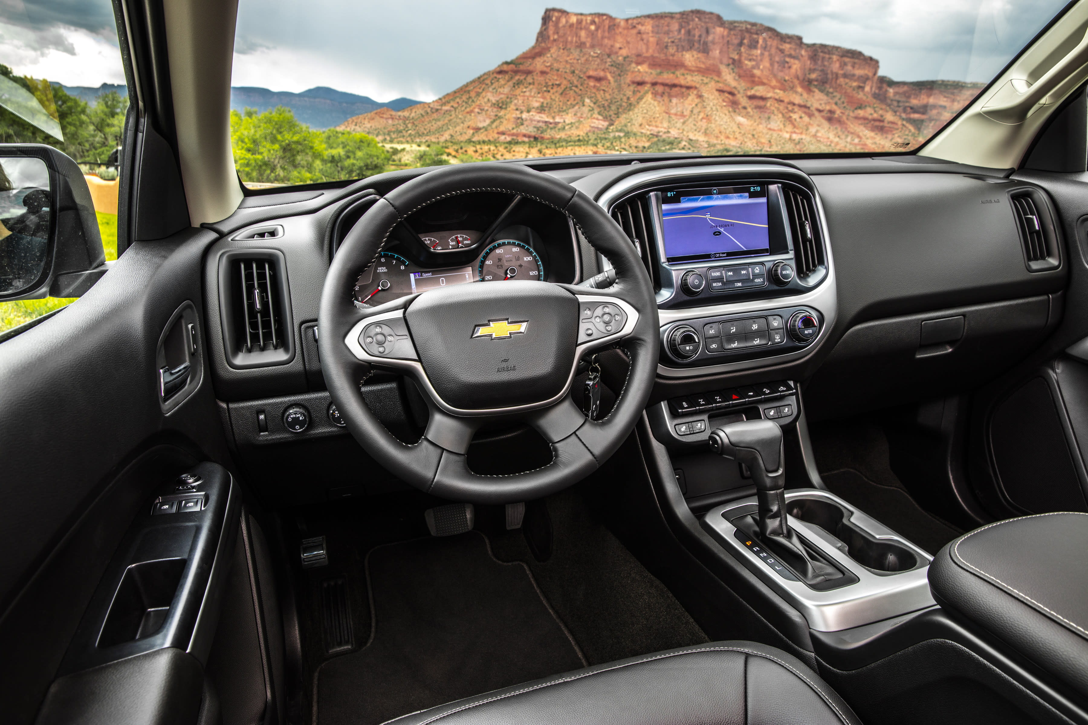 2017 Chevrolet Colorado ZR2 mid size pick up review Video