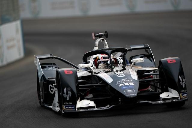 Hartley ends Formula E debut with two penalties