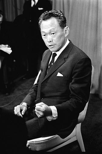 Singapore's Prime Minister Lee Kuan Yew during a press conference following his arrival at Heathrow Airport London on January 13, 1968. He is here for talks with the British Government. (AP Photo/Staff/Harris)