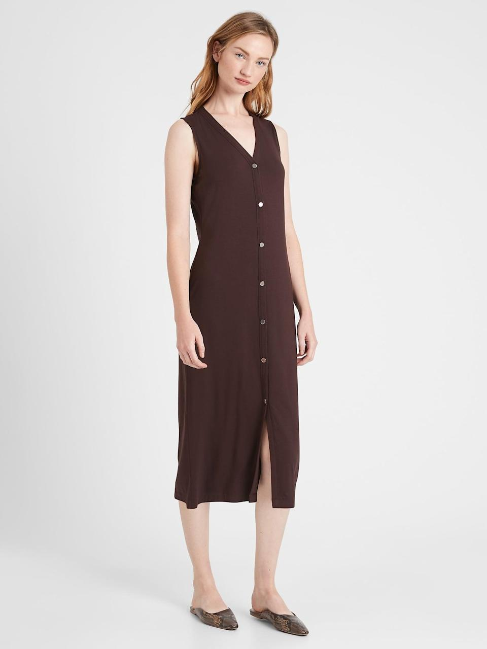 <p>A perfect fit in an overnight bag, easy on, easy off. The <span>Banana Republic Knit Button-Down Dress</span> ($78) is a must.</p>