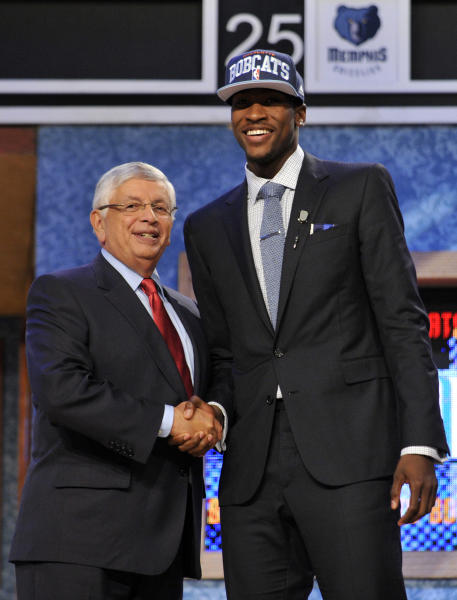 NBA Commissioner David Stern, left, poses with the No. 2 overall draft pick Michael Kidd-Gilchrist, of Kentucky, who was selected by the Charlotte Bobcats in the NBA basketball draft, Thursday, June, 28, 2012, in Newark, N.J. (AP Photo/Bill Kostroun)