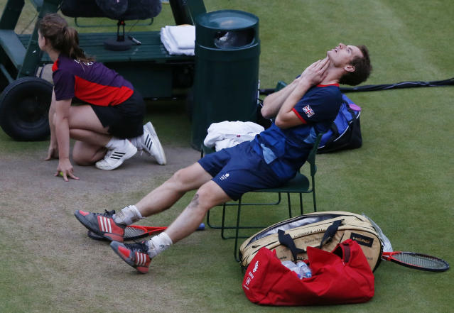 Britain's Andy Murray reacts after winning his men's singles tennis semi-final match against Serbia's Novak Djokovic at the All England Lawn Tennis Club during the London 2012 Olympic Games August 3, 2012. REUTERS/Adrees Latif (BRITAIN - Tags: OLYMPICS SPORT TENNIS)