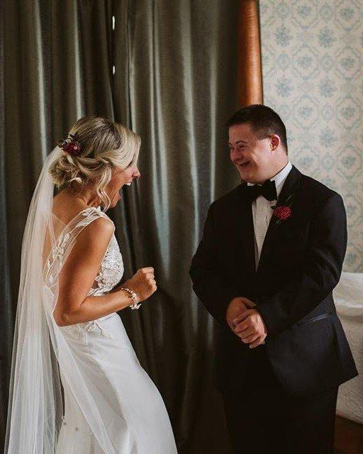 This Bride's First Look with Her Brother Left Everyone in Tears