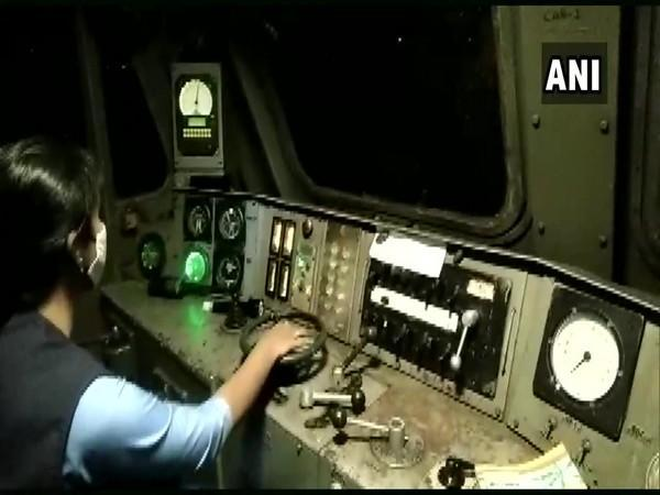 Oxygen Express piloted by 'all-female crew'  (Photo Credit: CPRO, SWR)