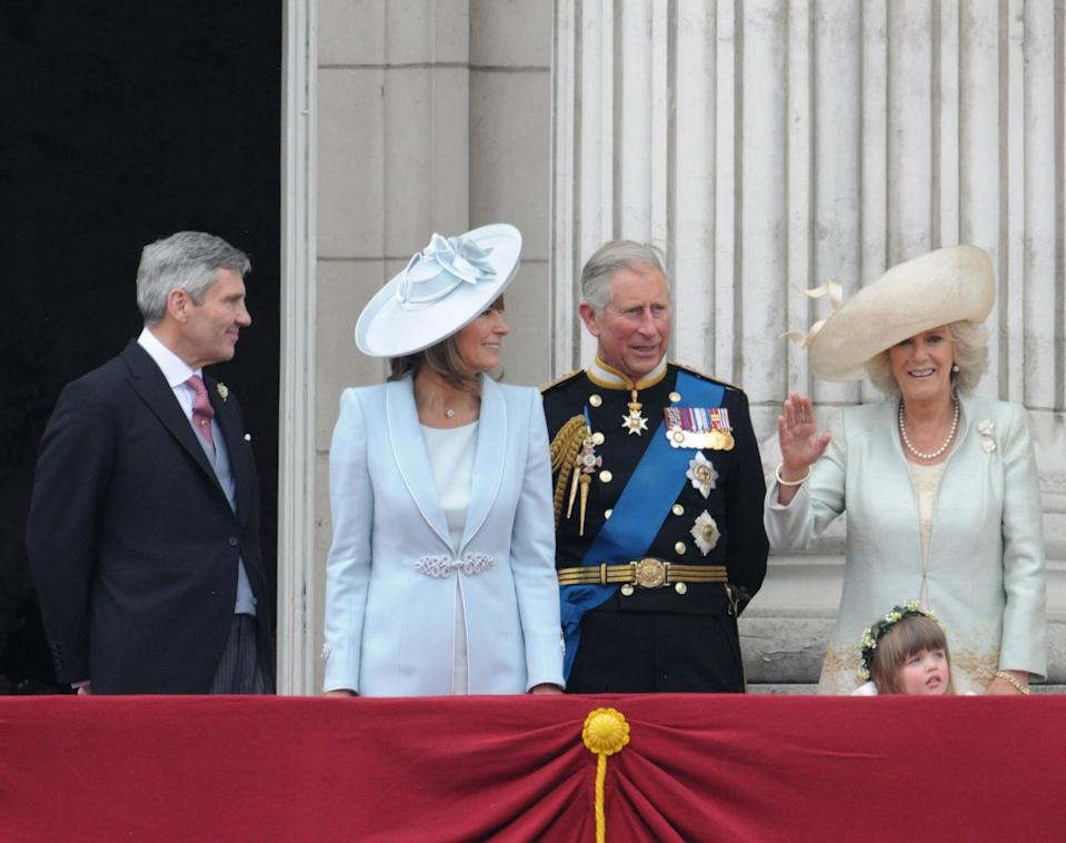 Michael Middleton, Carole Middleton, Prince Charles, Prince of Wales, Camilla, Duchess of Cornwall and Eliza Lopes stand on balcony of Buckingham Palace following the wedding of TRH Prince William, Duke of Cambridge and Catherine, Duchesss of Cambridge on April 29, 2011 in London, England. (Photo by George Pimentel/WireImage)