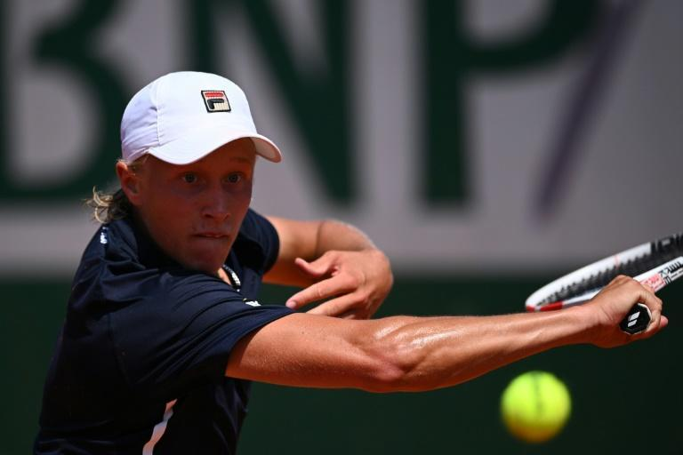 Leo Borg, the 18-year-old son of Bjorn Borg, won his first junior Grand Slam match at the French Open
