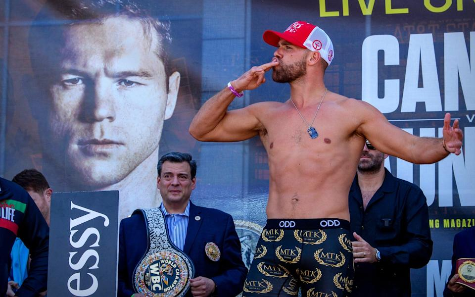Billy Joe Saunders shows his appreciation for his fans - Jerome Miron-USA TODAY Sports