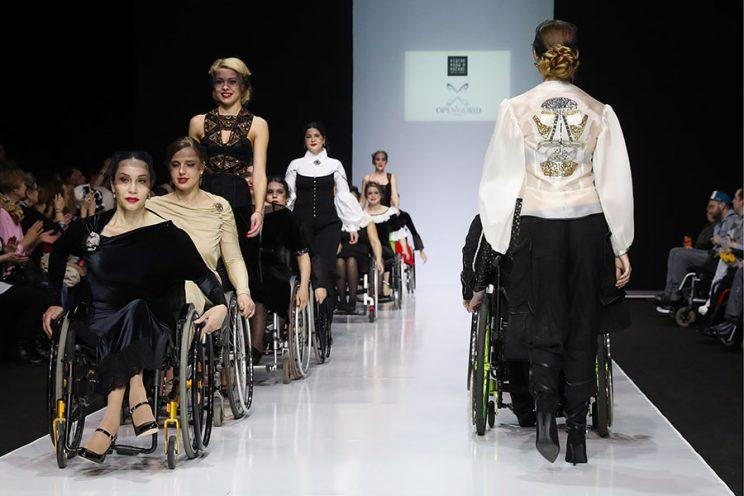 wheelchair models, moscow fashion week
