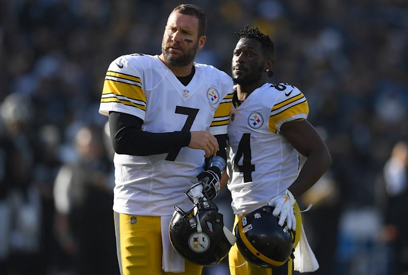 OAKLAND, CA - DECEMBER 09: Antonio Brown #84 and Ben Roethlisberger #7 of the Pittsburgh Steelers looks on against the Oakland Raiders during the first half of their NFL football game at Oakland-Alameda County Coliseum on December 9, 2018 in Oakland, California. (Photo by Thearon W. Henderson/Getty Images)