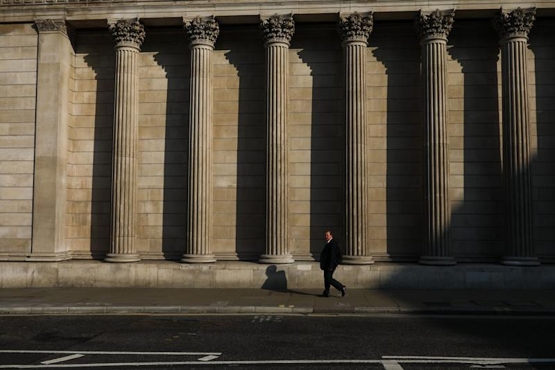 U.K. Business Sentiment Plunges With No Snap Recovery in Sight