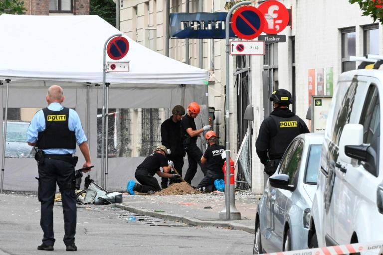 A second explosion rocked a police station in Copenhagen's Norrebro neighbourhood, also causing damage to the building's exterior but no injuries