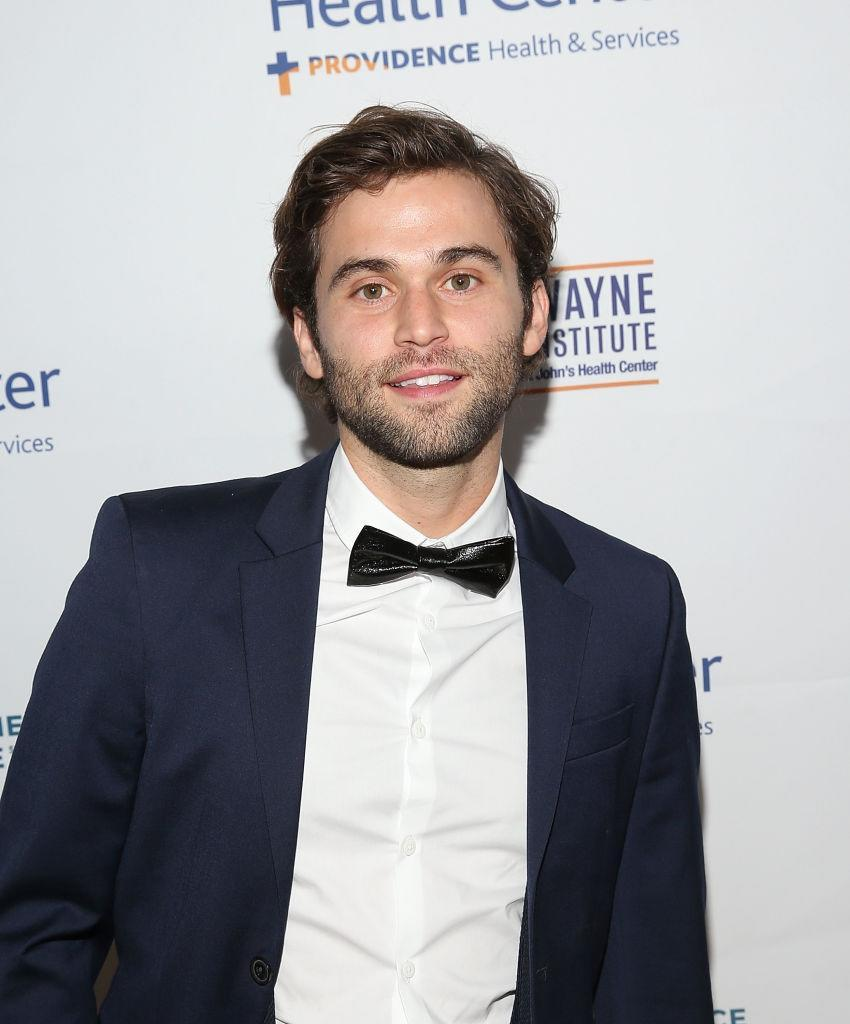 Greys Anatomy Actor Jake Borelli Comes Out As Gay