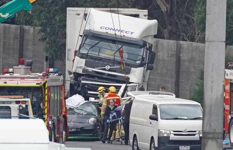 The scene of the crash near the Chandler Highway in the suburb of Kew in Melbourne. Source: AAP