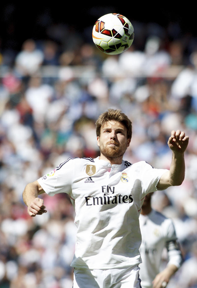 SPAIN, Madrid:Real Madrid's Spanish midfielder Asier Illarramendi during the Spanish League 2014/15 match between Real Madrid and Eibar, at Santiago Bernabeu Stadium in Madrid on April 11, 2015. (Photo by Guillermo Martinez/DPI/NurPhoto) (Photo by Guillermo Martinez/NurPhoto) (Photo by NurPhoto/NurPhoto via Getty Images)