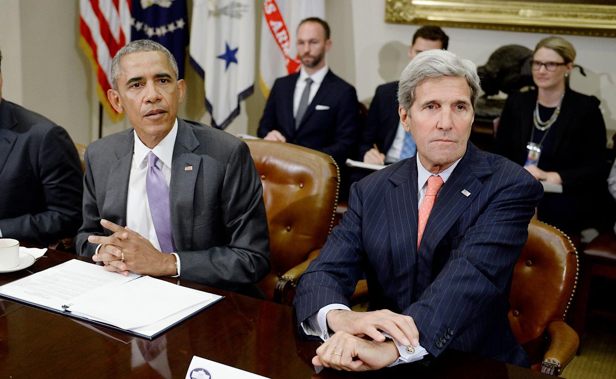 Then-President Barack Obama and his secretary of state, John Kerry, discuss the Iran nuclear deal at the White House in September, 2015. (Photo: WHITE HOUSE POOL (ISP POOL IMAGES) via Getty Images)