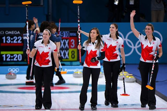Canada's curling team thanks its fans. (Getty)