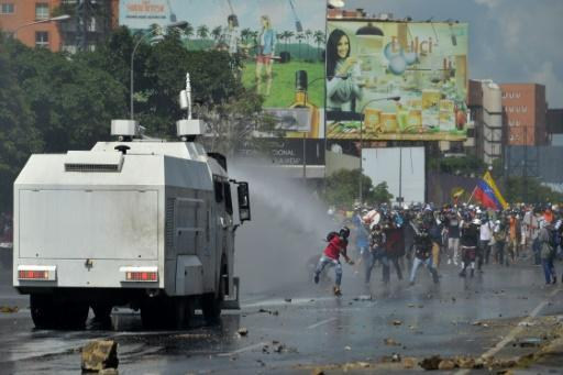 Clashes as Venezuela opposition turns up heat on govt