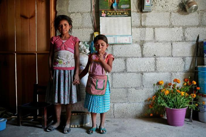 Children of the Nahua indigenous community of Alcozacan