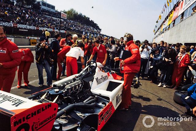 "Niki Lauda, McLaren MP4-1B Ford <span class=""copyright"">LAT Images</span>"