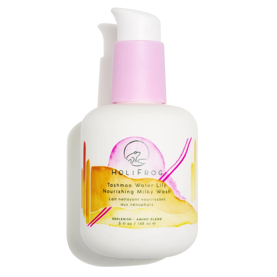 """$38, Holifrog Tamshoo Water Lily Nourishing Milky Wash. <a href=""""https://shop-links.co/1684611096515543237"""">Get it now!</a>"""