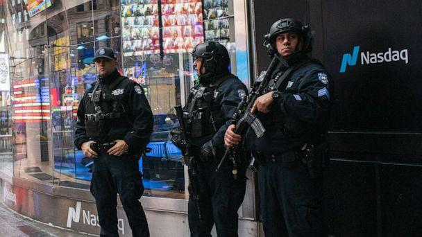 PHOTO: NYPD counterterrorism officers stand guard in New York on Jan. 3, 2020. (Eduardo Munoz Alvarez/Getty Images)
