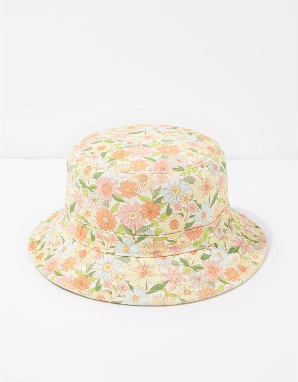 <p>Floral-lovers can appreciate just how dreamy this <span>AE Floral Bucket Hat</span> ($20) is in all its glory.</p>
