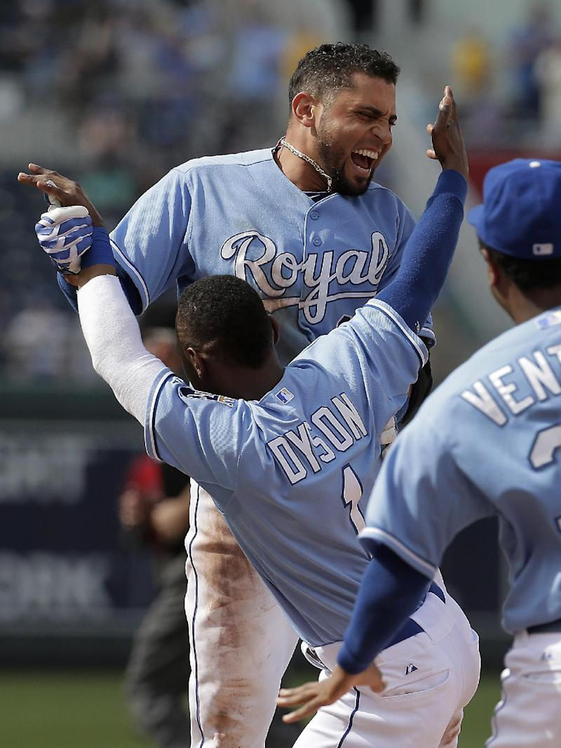 Infante's single in 9th lifts Royals over Angels