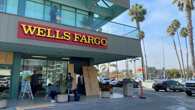 Former Wells Fargo chief John Stumpf will pay another fine in the bank's fake accounts scandal
