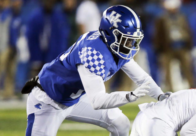 "Former Kentucky safety <a class=""link rapid-noclick-resp"" href=""/ncaaf/players/255914/"" data-ylk=""slk:Marcus Walker"">Marcus Walker</a> was arrested last month for allegedly trafficking cocaine and marijuana. (AP Photo/David Stephenson, File)"