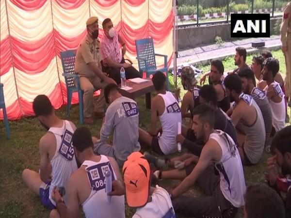 A large number of youth participating in the recruitment drive of Jammu and Kashmir police. (Photo/ANI)