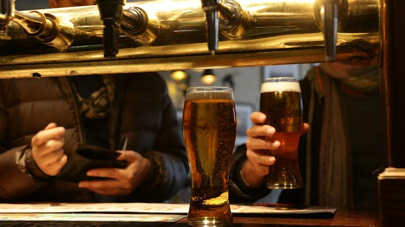 Nearly 1,000 pubs vanish amid cost pressures and rate increases