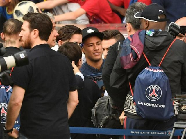 Thomas Tuchel tells PSG to build team around 'artist' Neymar