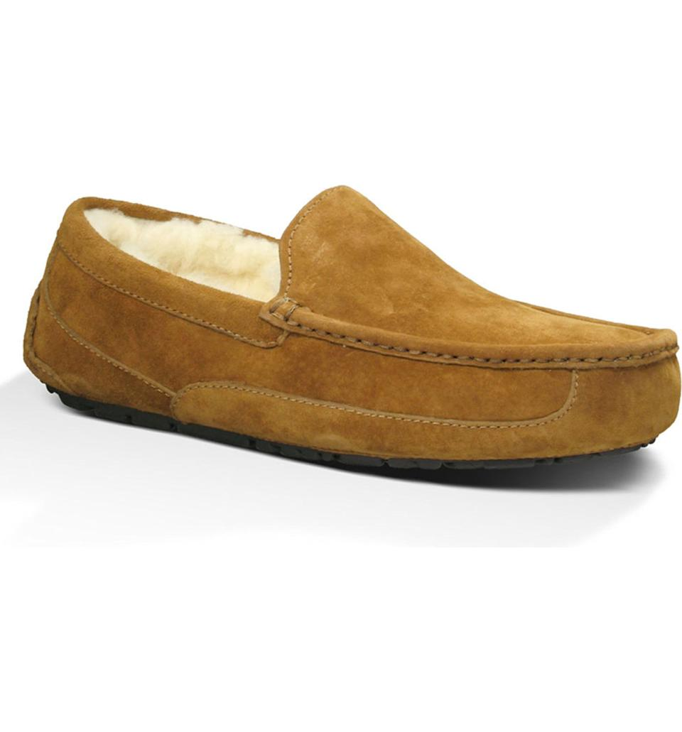 """<p><strong>UGG</strong></p><p>nordstrom.com</p><p><strong>$82.46</strong></p><p><a href=""""https://go.redirectingat.com?id=74968X1596630&url=https%3A%2F%2Fshop.nordstrom.com%2Fs%2Fugg-ascot-slipper-men%2F4922169%2Flite&sref=https%3A%2F%2Fwww.cosmopolitan.com%2Fstyle-beauty%2Ffashion%2Fg27349308%2Fnew-dad-gift-ideas%2F"""" rel=""""nofollow noopener"""" target=""""_blank"""" data-ylk=""""slk:Shop Now"""" class=""""link rapid-noclick-resp"""">Shop Now</a></p><p>Make him feel his coziest with slippers that he'll never want to take off.</p>"""
