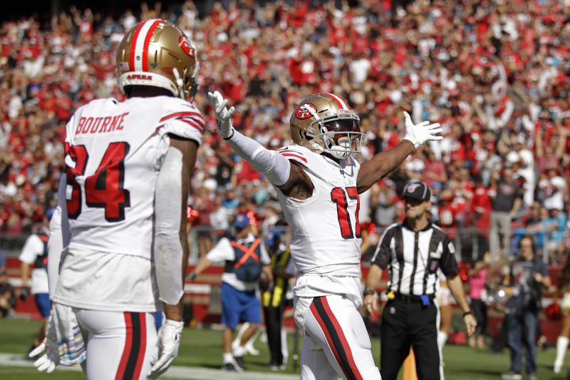 New San Francisco 49ers receiver Emmanuel Sanders celebrates after scoring a touchdown in the first quarter. (AP/Ben Margot)