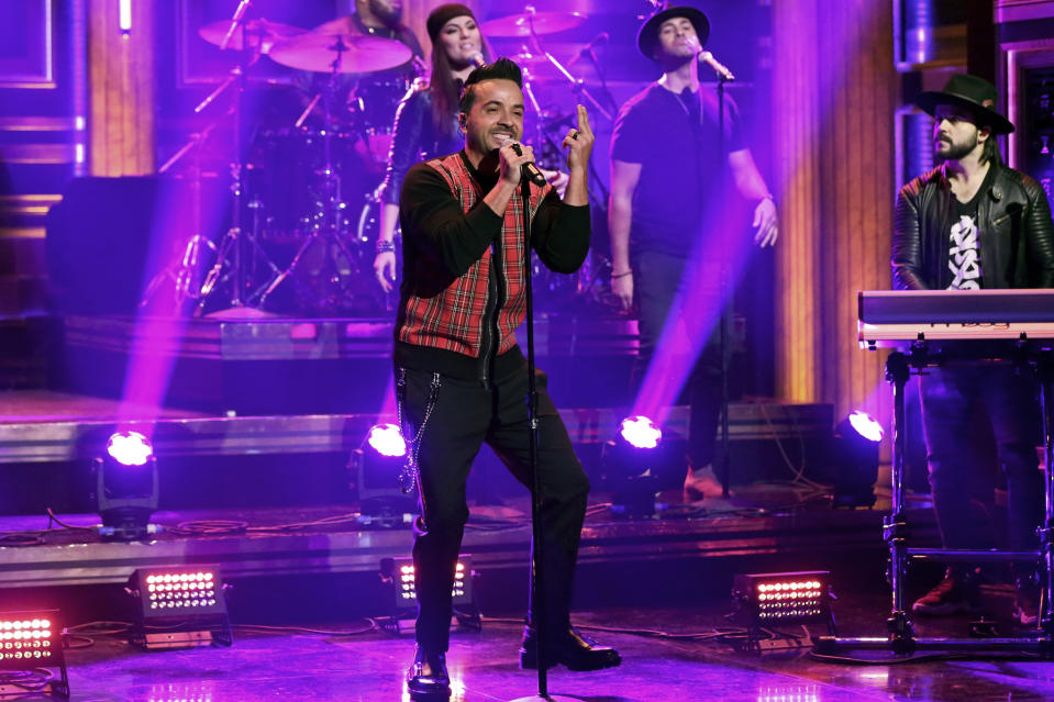 THE TONIGHT SHOW STARRING JIMMY FALLON -- Episode 1005 -- Pictured: Musical guest Luis Fonsi performs on January 30, 2019 -- (Photo by: Andrew Lipovsky/NBC/NBCU Photobank)