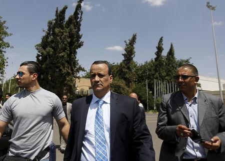 The United Nations envoy to Yemen Ismail Ould Cheikh Ahmed (C) walks at Sanaa International Aiport upon his departure May 14, 2015. REUTERS/Khaled Abdullah