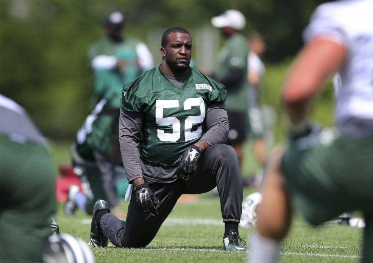 Former Jets linebacker David Harris has signed with the Patriots. (AP)