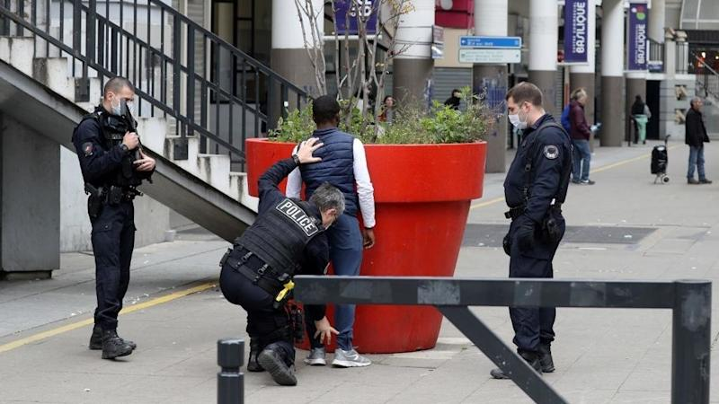 Paris police unit dissolved as probe uncovers extortion, drug racket