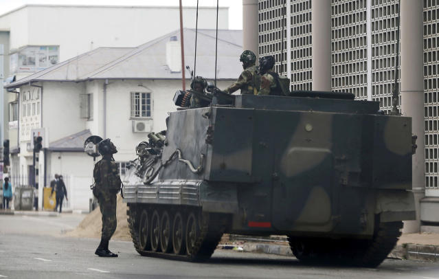 <p>A military vehicle is seen on a street in Harare, Zimbabwe, Thursday, Nov. 16, 2017. (Photo: AP) </p>
